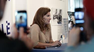 Valérie Trierweiler lors d'une séance de dédicaces de son livre, le 23 octobre 2014, à Strasbourg.