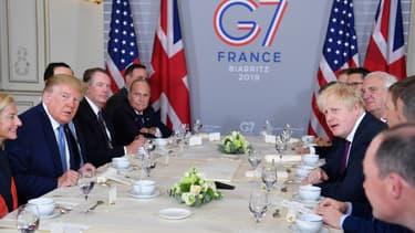 Donald Trump et Boris Johnson, lors de leur première rencontre le 25 août 2019 au G7 à Biarritz.