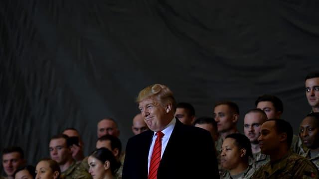 Le président américain Donald Trump parle aux troupes des Etats Unis lors de sa visite surprise en Afghanistan, le 28 novembre 2019