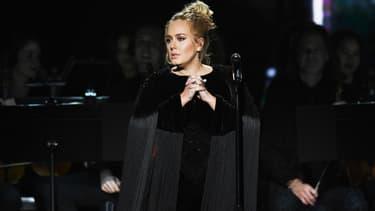 Adele sur la scène des Grammy Awards en 2017