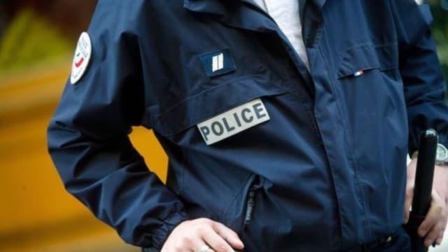Trois policiers municipaux ont été blessés par un homme nu dimanche, au Perreux (Val-de-Marne).