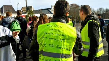 Des manifestations de gilets jaunes sont organisées partout en France samedi.