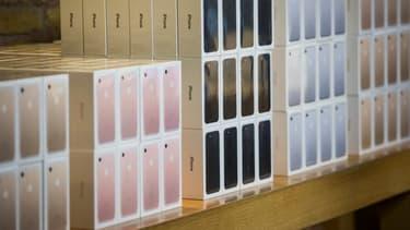 """Apple revendique des ventes """"impressionnantes"""" d'iPhone 7."""