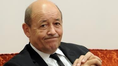 Jean-Yves Le Drian a annoncé l'abandon du logiel Louvois, mardi 26 novembre.
