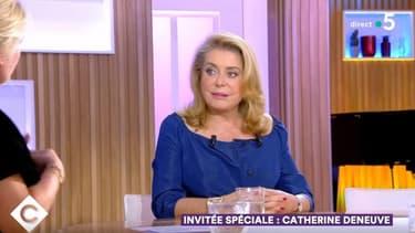 Catherine Deneuve dans C à Vous