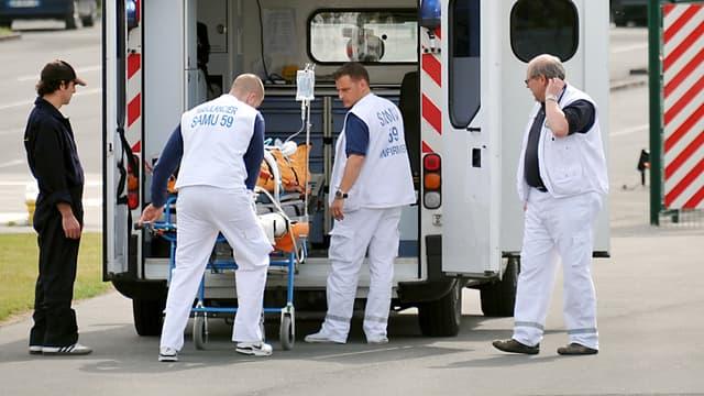 Les ambulanciers ont été la cible d'insultes. (image d'illustration)
