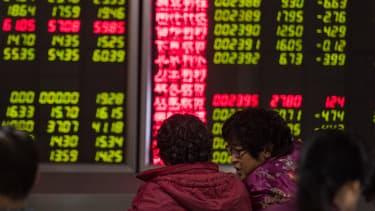 Pour la 2ème fois de la semaine, la Bourse Chinoise a du fermer ses portes prématurément après un nouveau mouvement de panique boursière. La séance du jour n'aura duré que... 857 secondes !