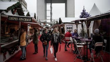 Le marché de Noël de la Défense est le plus grand de la région.