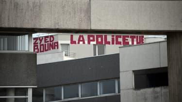 Un tag près du tribunal correctionnel de Rennes, à l'occasion du procès dans l'affaire de Zyed et Bouna.