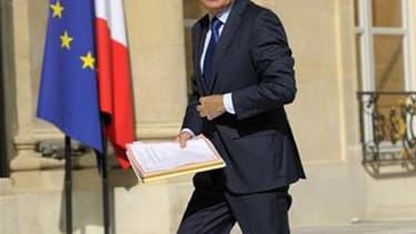 """Plutôt en sourdine depuis sa nomination, la voix de Jean-Marc Ayrault se fera entendre avec force cette semaine dans un discours de politique générale appelé à donner le """"la"""" du quinquennat de François Hollande. /Photo prise le 22 juin 2012/REUTERS/Philip"""