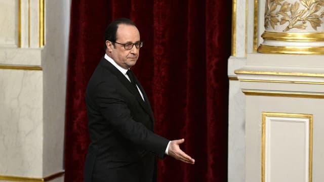 François Hollande revoit les effectifs de l'armée à la hausse