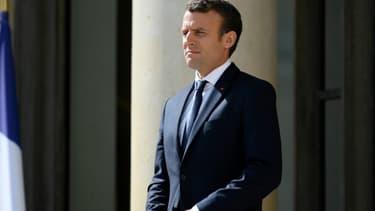 Emmanuel Macron le 12 juin 2017 sur le perron de l'Élysée