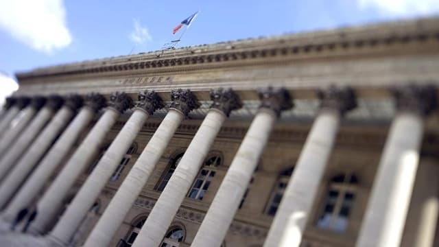 La Bourse de Paris a commencé la semaine sur une note timide.