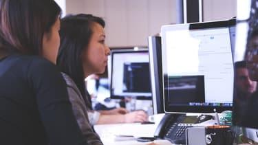 Gloss & Boss a développé un algorithme qui évalue les correspondances entre les profils des candidates et les recheches des entreprises.