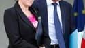 La secrétaire d'Etat à la Ville Fadela Amara et le ministre des Affaires étrangères Bernard Kouchner, symboles de l'ouverture du gouvernement aux personnalités de gauche. Selon un sondage BVA pour Canal +, une majorité de Français ne veut plus de cette po