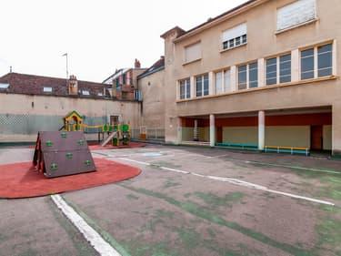 Cette école est à vendre sur la plateforme agorastore.fr