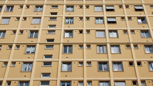 Parmi les logements contaminés par l'amiante, 3 millions de HLM, selon l'USH.