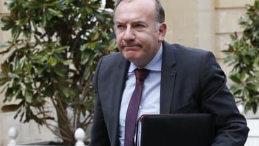 """""""Ce qui nous ennuie considérablement, c'est le déplafonnement des prud'hommes, car sachez que c'est un élément important pour que les employeurs, notamment les plus petits, puissent relancer l'emploi"""", a dit M. Gattaz, à sa sortie de la réunion à Matignon."""