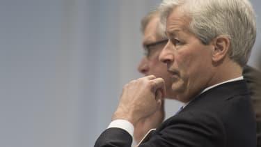 Moins de soutien de la part des actionnaires, emergence d'une volonté de changement chez JP Morgan... Le PDG Jamie Dimon connaît une fin de mandat plus difficile que prévue.
