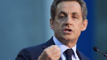 Nicolas Sarkozy a été élu président de l'UMP.