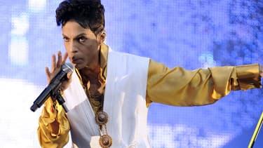 Prince sur la scène du Stade De France, en 2011.