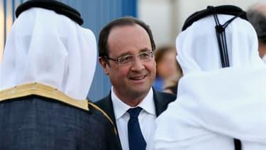 François Hollande à Doha. La France et le Qatar ont lancé dimanche un fonds commun d'investissement pour les PME, une initiative qui vise à clore la polémique née de la volonté des Qataris de créer, lors de la dernière campagne présidentielle, un fonds à