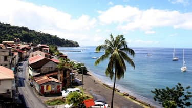 Free est candidat aux fréquences 3G et 4G sur les zones géographiques suivantes : Guadeloupe-Martinique, St6Barthélemy-St-Martin, Guyane, La Réunion, Mayotte.