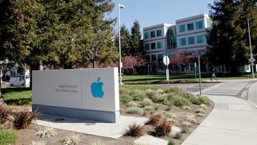 Cette année, Apple passe devant Google avec une progression de 69% qui lui fait atteindre une valorisation de 246,9 milliards de dollars.