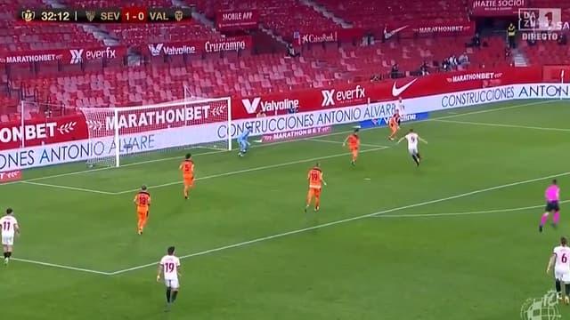Le but de De Jong pour le FC Séville