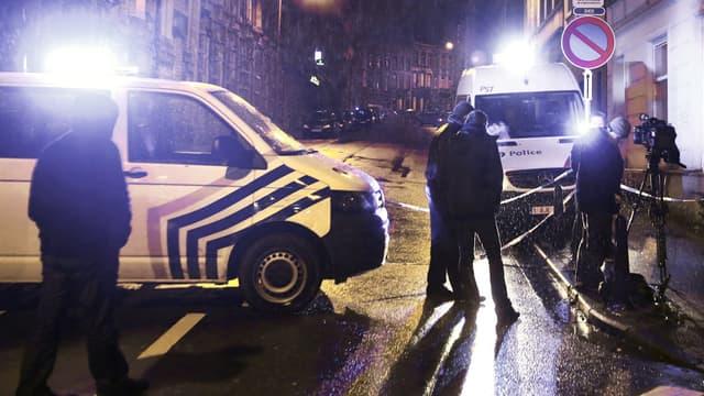 Des camions de police à Verviers, en Belgique, jeudi 15 janvier 2015.