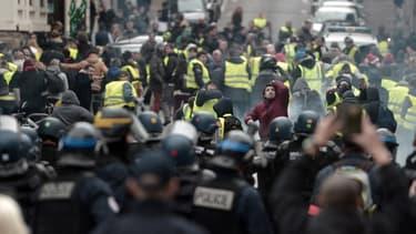 Manifestation anti-G7 à Biarritz, le 18 décembre 2018