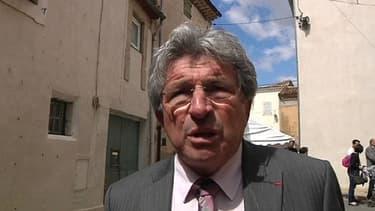 Raymond Courderc, maire de Béziers refuse de célébrer les mariages homosexuels.