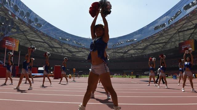 Les pom-pom girls en répétition au Stade national de Pékin