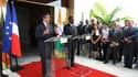 Conférence de presse de François Fillon et du président ivoirien Alassane Ouattara au palais présidentiel d'Abidjan. Le Premier ministre français a annoncé que la France allait débloquer pour la Côte d'Ivoire trois milliards d'euros, sous forme d'aide et