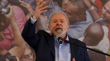 L'ancien président brésilien Luiz Inacio Lula da Silva, donne une conférence de presse au bâtiment du syndicat des métallurgistes à Sao Bernardo do Campo, dans la métropole de Sao Paulo, Brésil, le 10 mars 2021.