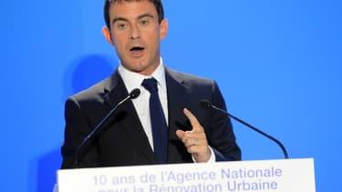 Manuel Valls s'est engagé sur le terrain délicat de l'assurance chômage.