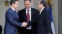 Nicolas Sarkozy et les deux émissaires du Conseil national libyen (CNL), Ali Essaoui (au centre) et Mahmoud Djebril à l'Elysée. La France reconnaît le CNL, qui regroupe les insurgés contre le régime de Mouammar Kadhafi, comme représentant du peuple libyen