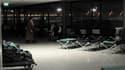 Lits de camps dans un terminal de l'aéroport de Roissy-Charles-de-Gaulle, dans la nuit de vendredi à samedi. Le trafic aérien est revenu à la normale samedi après les chutes de neige qui ont semé la pagaille ces deux derniers jours dans les aéroports pari