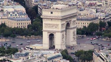 La place de l'Etoile, à Paris, avec en son centre l'Arc de Triomphe, en mai 2007.