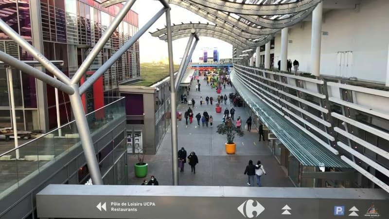 Vaulx-en-Velin: le centre commercial Carré de Soie peut finalement rester ouvert