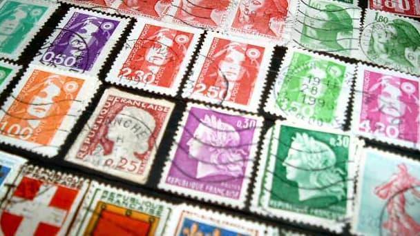 Le prix du timbre a beau augmenter, il rapporte de moins en moins à La Poste