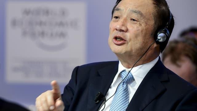 Ren Zengfei, de passage à Davos, a nié tout pratique de cyberespionnage chez Huawei, au profit de Pékin. A cause de cette suspicion, le groupe reste banni des contrats d'équipement de réseaux d'opérateurs aux Etats-Unis.