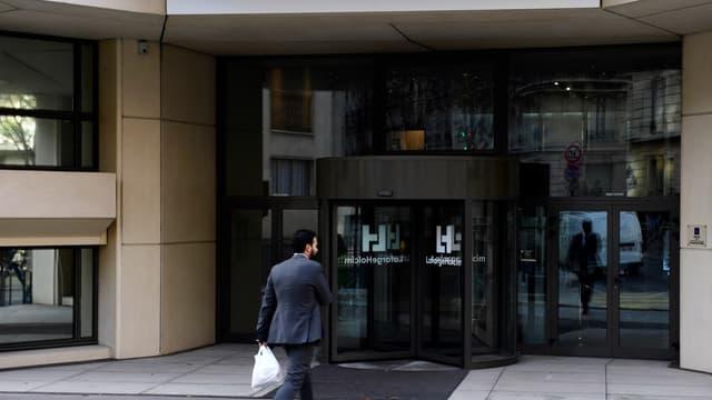 Lafarge est accusé d'avoir indirectement financé des groupes jihadistes en Syrie.