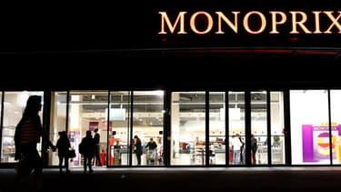 La direction de Monoprix a annoncé que les 94 magasins qui pratiquaient des nocturnes jusqu'à 22 heures fermeraient désormais à 21 heures