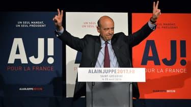 Le maire de Bordeaux Alain Juppé et candidat Les Républicains à la primaire à droite en meeting, le 20 avril 2016.