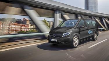 Daimler s'est associé avec la start-up américaine Via pour lancer un service de minibus à la demande en Europe.