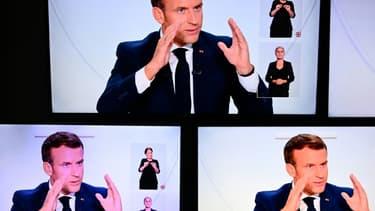 Emmanuel Macron lors d'un entretien télévisé à l'Elysée sur la situation du Covid-19 en France, à Paris le 14 octobre 2020