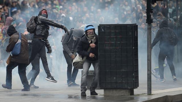 A Nantes, des scènes de violences urbaines ont éclaté en marge de la manifestation contre la loi Travail.