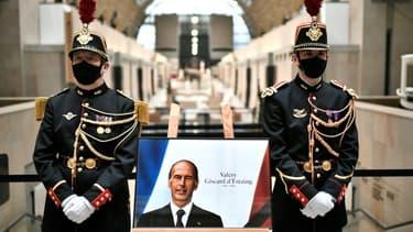 Le portrait de l'ancien président Valéry Giscard d'Estaing lors d'un hommage au musée d'Orsay, le 9 décembre 2020 à Paris
