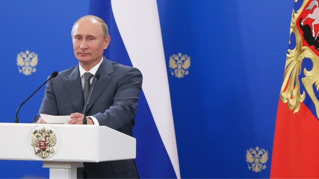 Les auteurs du rapport affirment que Vladimir Poutine ment aux électeurs en déclarant un revenu de moins de quatre millions de roubles.